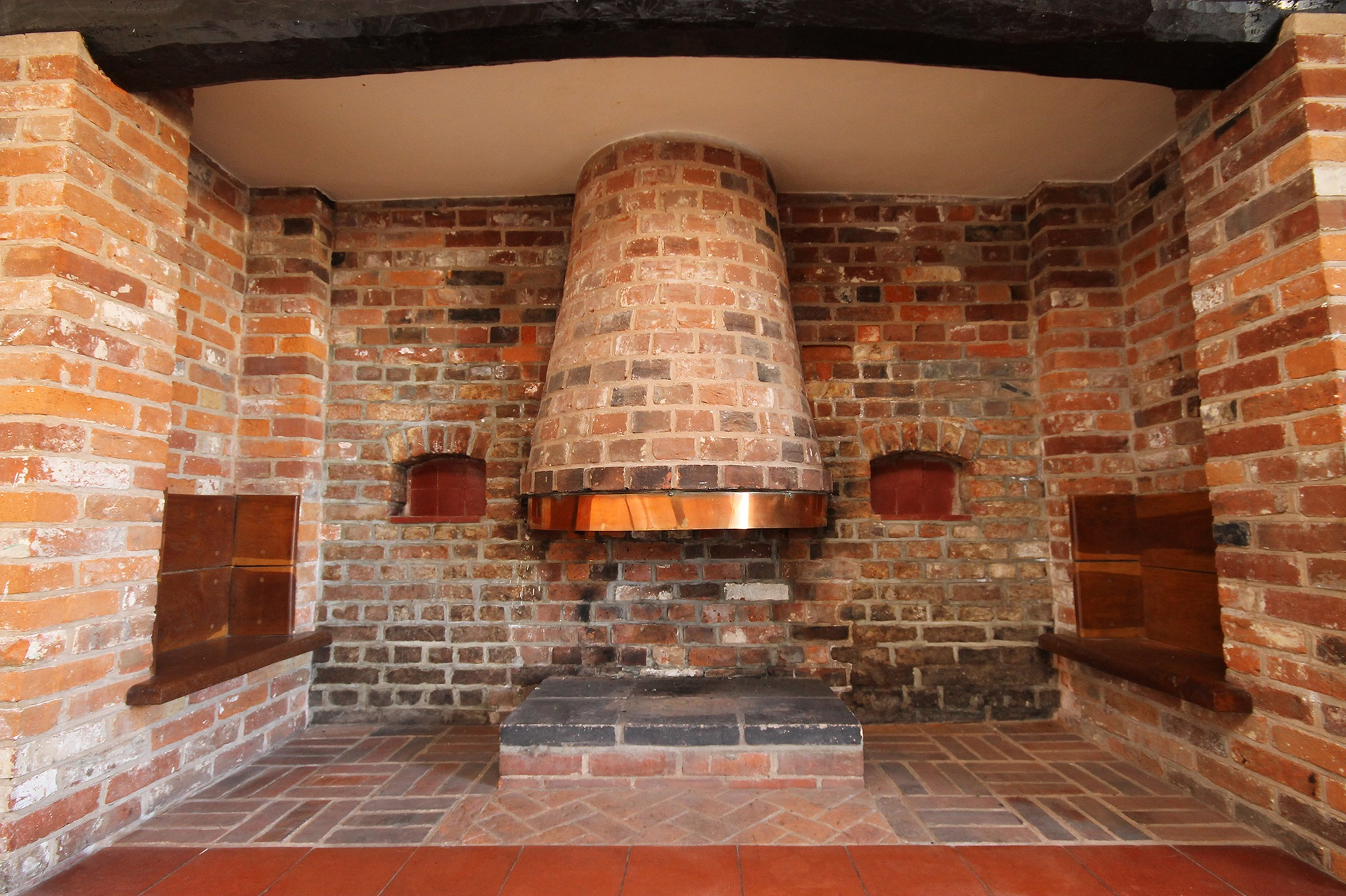 Wisconsin Houses for Sale with Fireplaces 200K to 275K