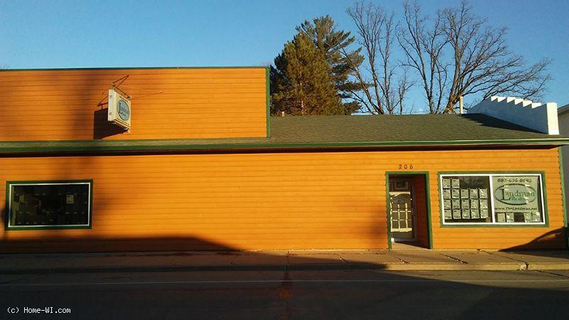 1763911 - Commercial Building with 4 bdrm home attached